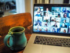 video-chat-nad-mug